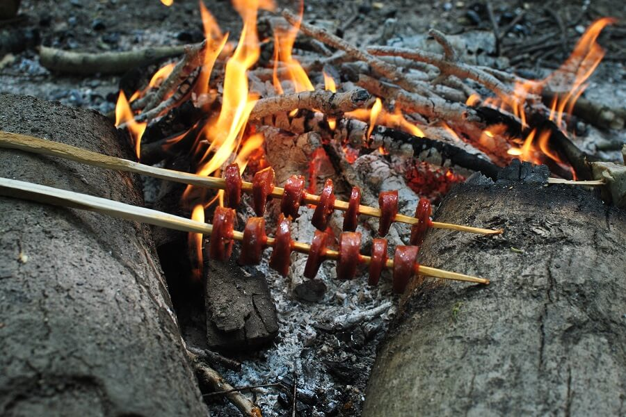 Lunch: chorizo sausage kabab cooked on campfire