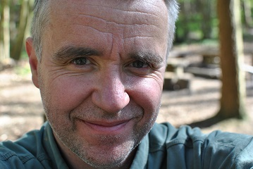 David Willis - professional Bushcraft Instructor; outdoor living skills, natural history and woodland crafts, based in Buckinghamshire, UK