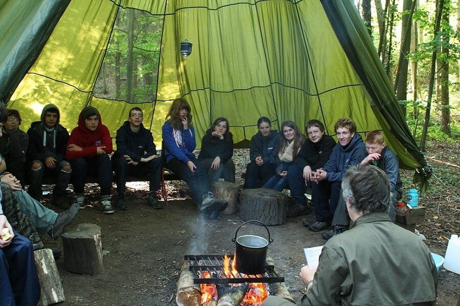 Explorer Scouts learning Bushcraft