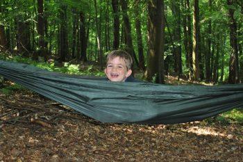 Family Bushcraft - Fun in a hammock