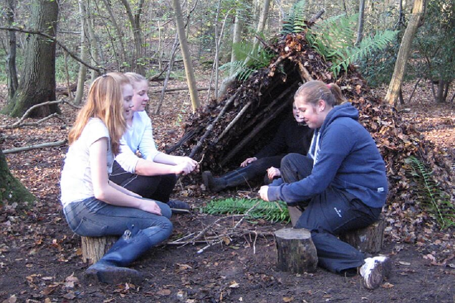 Girlguiding, Guides had fun making natural shelters