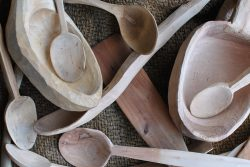 Whittling and Woodcraft - cups, spoons and other utensils